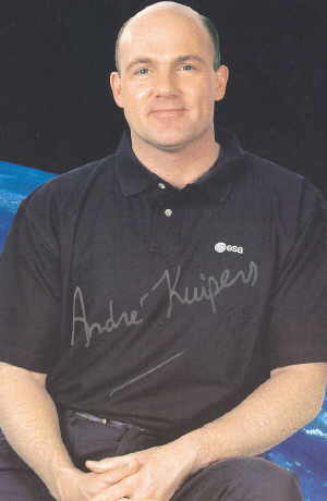 Andre Kuipers Autographs